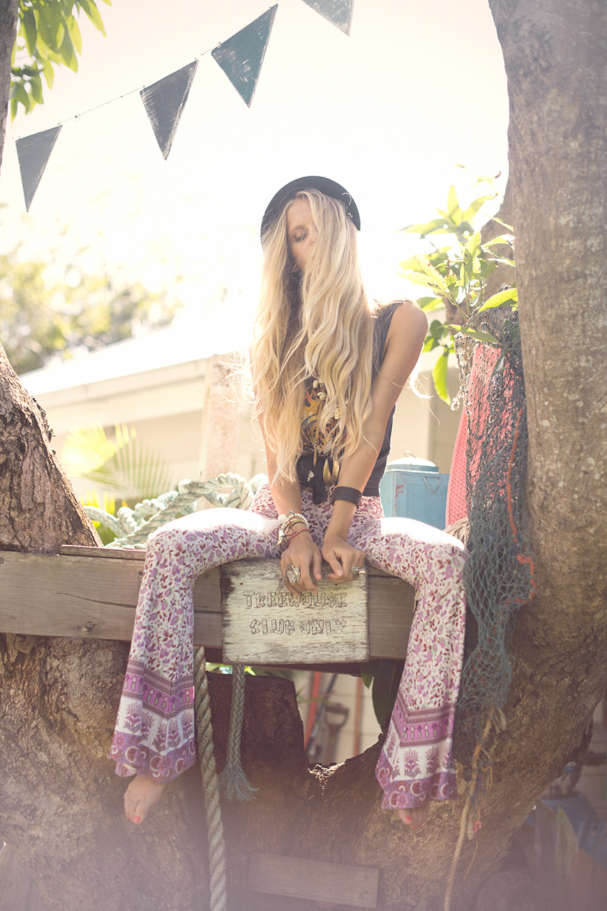Gypsy Love naked 682