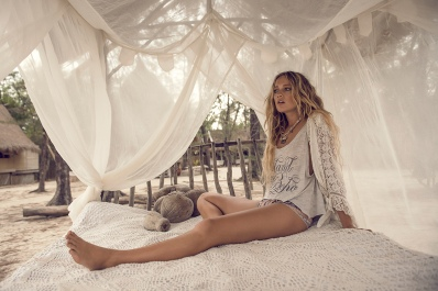14_Spell-and-the-Gypsy-Collective_Island-boho-tee-22911